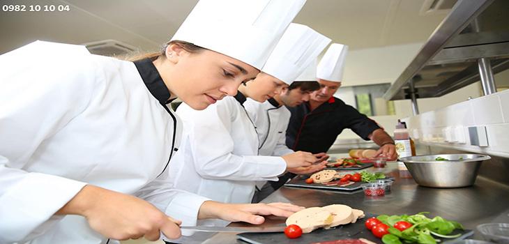 Tuyển Đầu Bếp, phụ bếp, bồi bàn, dọn dẹp, thợ làm bánh – tai Rumani